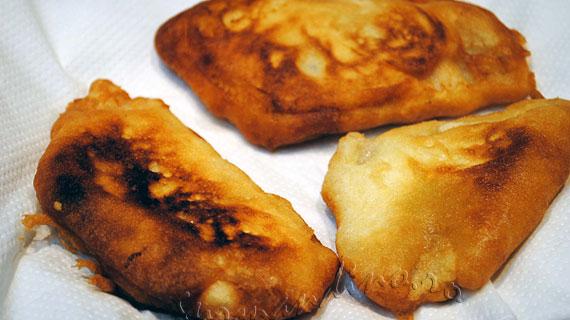 Retata Fish and Chips - Peste pane cu bere, cartofi, mazare si sos tartar