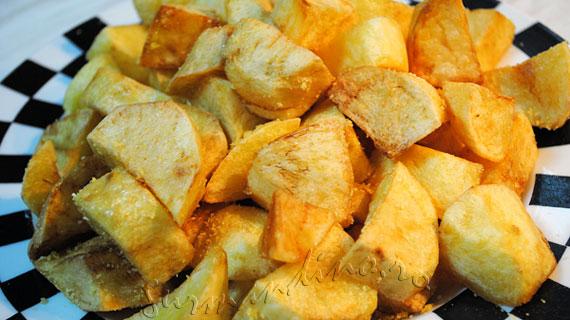 Cartofi fierti si prajiti