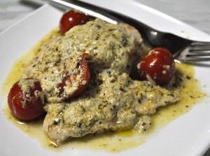 Articole culinare : Pui mediteranean cu sos pesto si parmezan