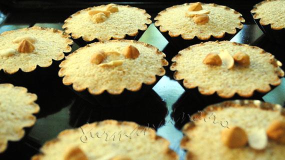 Financiers - prajiturele cu migdale pentru ceai