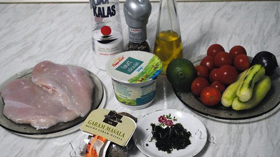 Frigarui de pui marinate cu garam masala