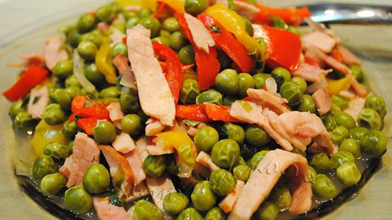 Platou de legume multicolore