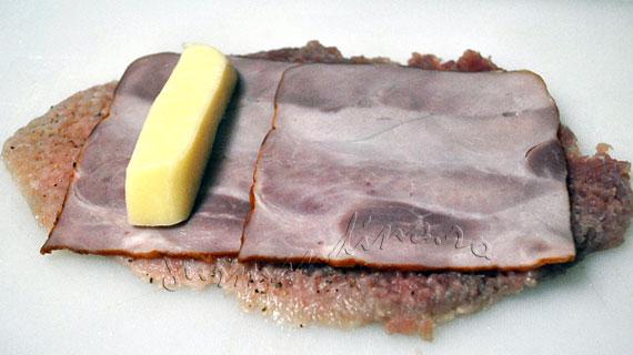 Cordon Bleu - snitel vienez cu sunca si cascaval
