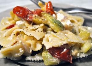 Salata-legume-paste-feta6th