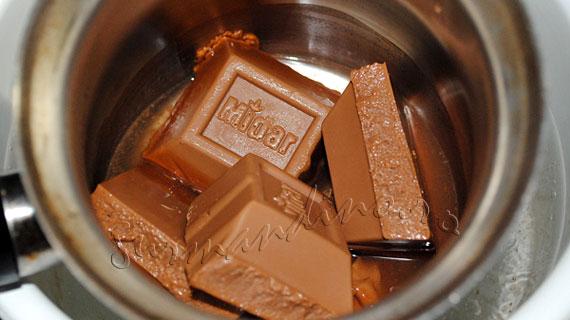 Tort de caramel si ciocolata cu lapte