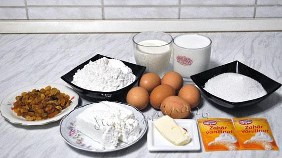Clatite banatene - la cuptor, cu branza, stafide si bezea