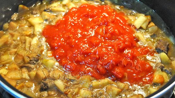 Curry de vita cu stafide si mere