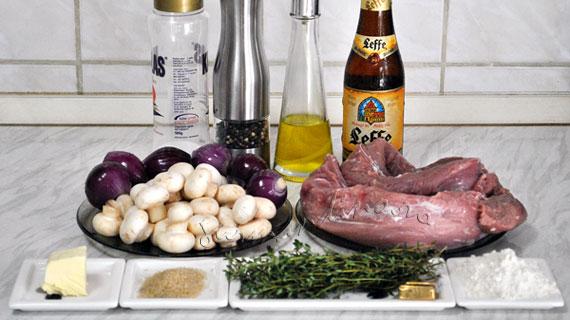 Muschiulet de porc la tava, cu bere blonda, cimbru si ciuperci