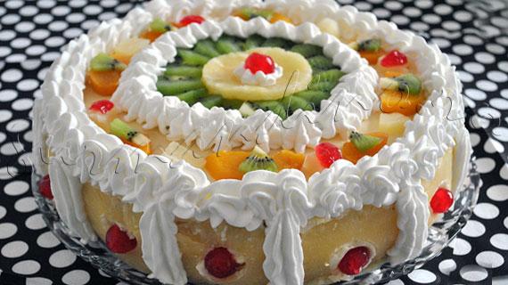 Reteta tort cu crema diplomat si fructe