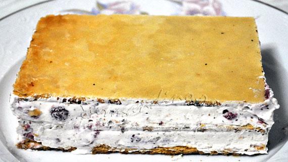 Millefeuille cu ciocolata alba si capsune
