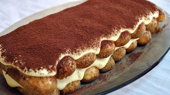 Tiramisu - desert italienesc cu mascarpone si cafea