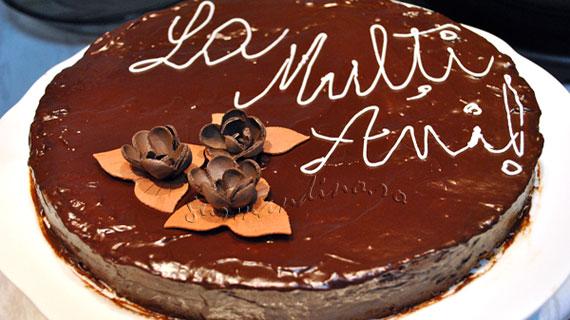 Tort Sacher - deliciu austriac cu ciocolata