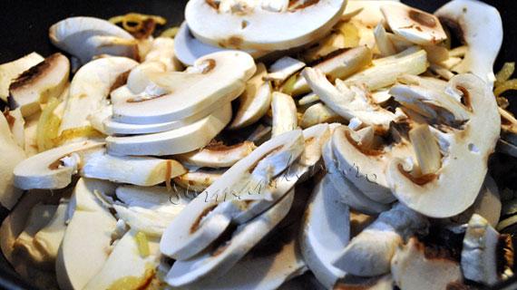 Bouchées à la reine (buseuri) cu pate de ciuperci cu vin si cimbru
