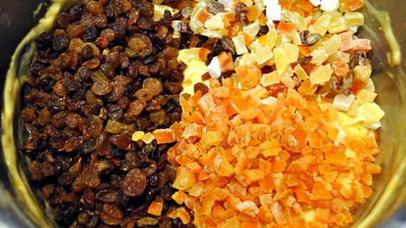 Panettone - cozonac italienesc cu fructe