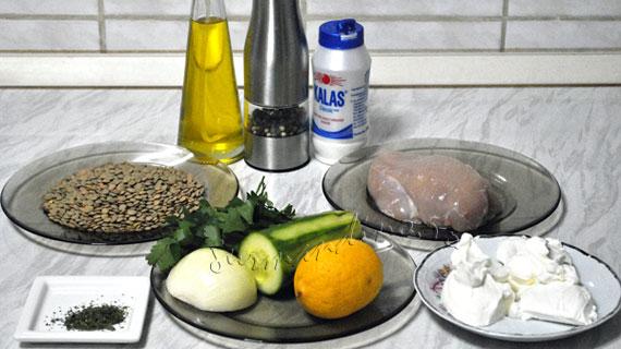 Salata de pui cu linte verde si castravete
