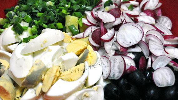 Salata orientala cu ceapa verde si vinegreta