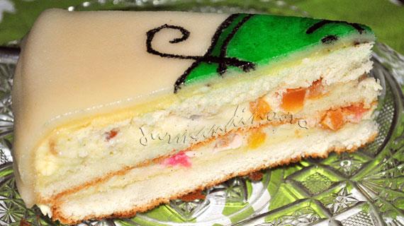 Tort ambasador cu crema de vanilie si fructe confiate, macerate in kirsch