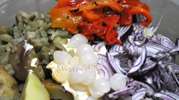 Salata de cartofi noi cu piept de pui la gratar