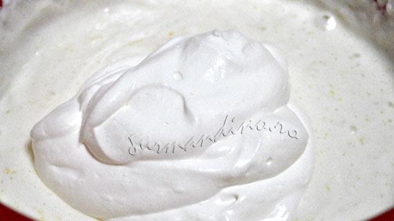 Tort cu visine si crema de iaurt