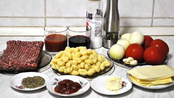 Gnocchi la cuptor cu sos bolognese si mozzarella