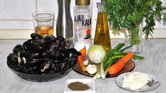 Midii in sos de vin si usturoi sau Moules-frites