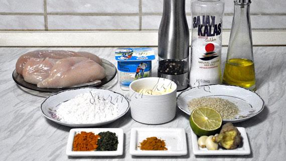 Pane de pui cu ghimbir si susan & sos de maioneza si curry