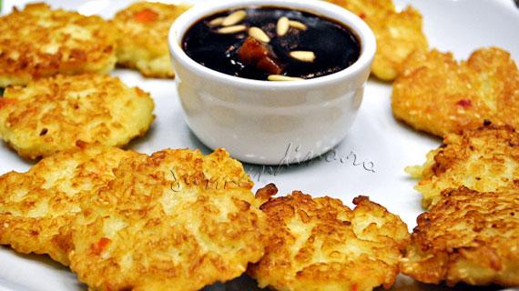 Turtite de orez cu susan si sos dulce-acrisor