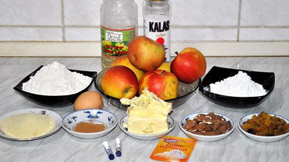 Apfelstrudel - Strudel vienez cu mere, stafide si migdale maruntite