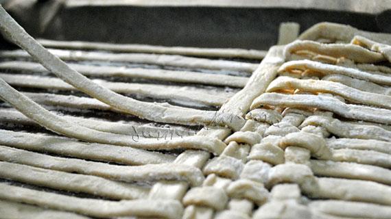 Tort millefeuille impletit cu crema diplomat