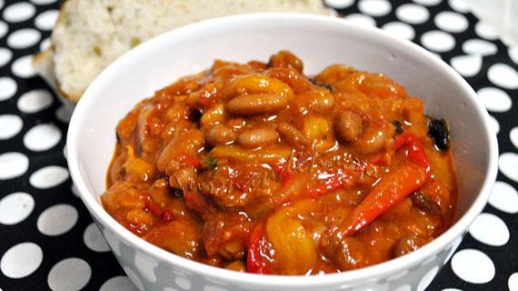 Zacusca de fasole cu ardei gras, morcov si ardei capia