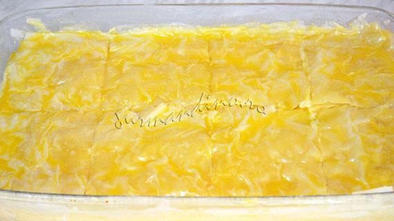 Cremsnit cu foi fine de placinta si crema de vanilie