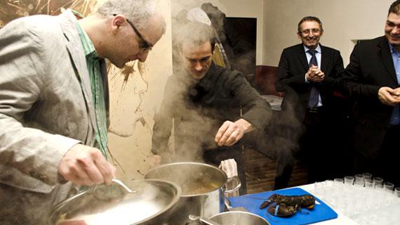 Homar cu ardei copt, pregatit la lansarea lentilelor anti-aburire ale Essilor