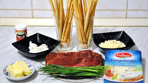 Grisine cu prosciutto si crema de branza cu Gorgonzola si parmezan