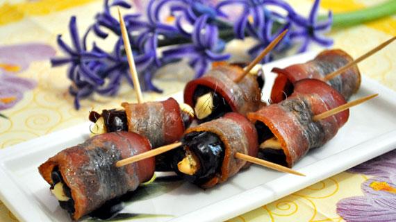 Curmale cu branza albastra si bacon