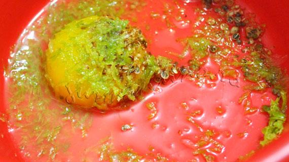 Somon copt in folie cu ierburi si lamaie caramelizata, cu legume glasate si sos olandez cu lamaie verde