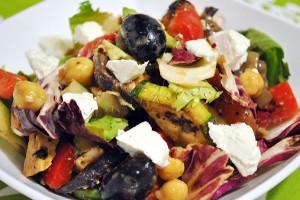 Salata-pui-legume-branza7th