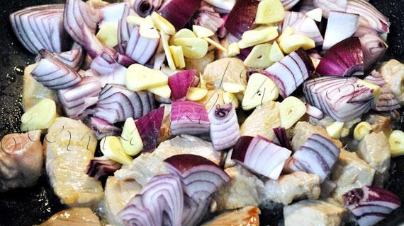Tigaie picanta de porc cu legume