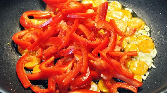 Paste cu legume, stafide si smantana a la Dan Chisu