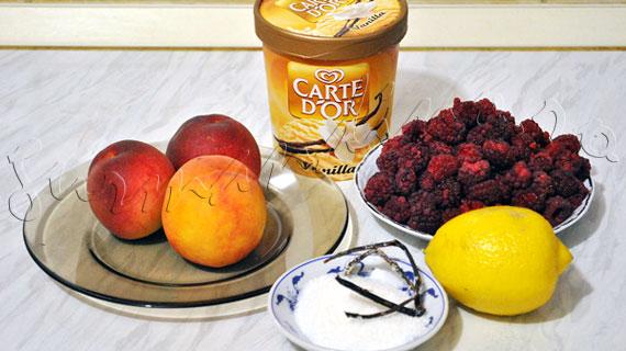 Reteta Peach Melba - desert racoritor cu piersici, inghetata de vanilie si piure de zmeura