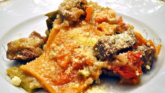 Paccheri alla Genovese - Reteta de paste genoveze cu carne de vita si ceapa