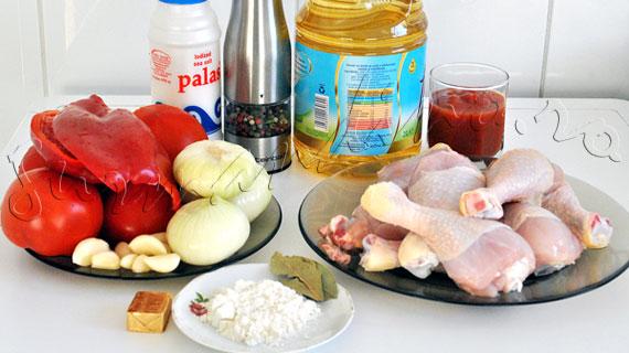 Reteta de ostropel de pui (pui in sos de rosii cu ceapa si usturoi)