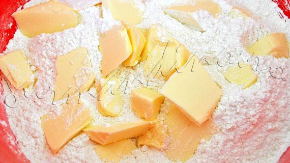 Reteta de tarta frantuzeasca cu mere si stafide