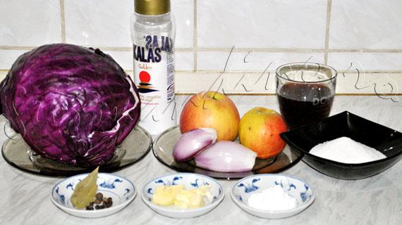 Reteta nemteasca de varza rosie calita cu mere, cuisoare si ienibahar