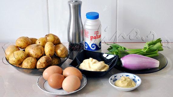 Reteta de salata de cartofi cu oua, telina si ceapa, cu sos de maioneza si mustar