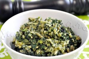Reteta de pilaf de urzici cu leurda si ceapa verde