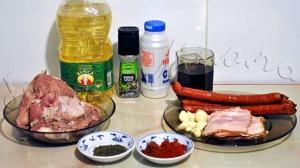 Reteta de tochitura de porc cu mamaliguta, branza si ou