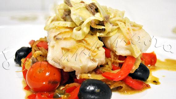 Reteta de cod provensal a la Gordon Ramsay - cod cu fenicul, rosii cherry, ardei gras, masline, capere si ansoa