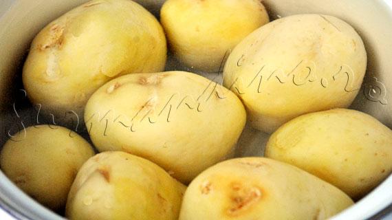 Reteta de garnitura - cartofi lyonezi, cu ceapa, bacon, usturoi si patrunjel verde
