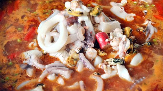 Reteta spaniola - Paella cu fructe de mare