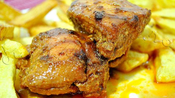 Reteta de friptura - Pulpe dezosate de pui cu glazura de miere si otet balsamic